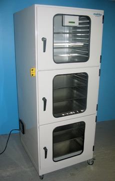 Humidity controlled drying cabinet